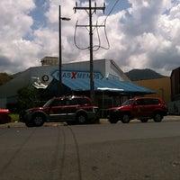 Foto diambil di Mas X Menos oleh Bào H. pada 10/3/2012