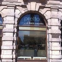 Das Foto wurde bei Pretto Gelato Arte Italiana von Aristotele S. am 9/15/2012 aufgenommen