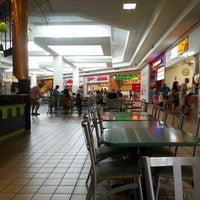 Foto scattata a Rogue Valley Mall da Jim V. il 6/22/2013