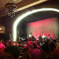 Foto tirada no(a) Century Ballroom por Loren Y. em 5/26/2013