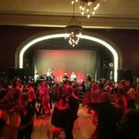 Foto tirada no(a) Century Ballroom por Loren Y. em 5/27/2013