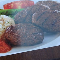 9/27/2013에 Kerim N.님이 Hasipağa Köfteleri에서 찍은 사진