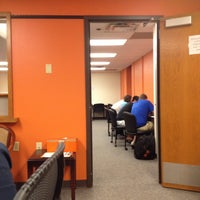 Photo prise au Classroom Building par Matt C. le4/22/2013