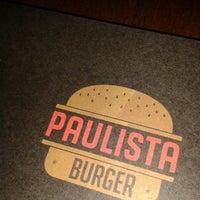 Foto scattata a Paulista Burger da Michelle M. il 7/17/2013