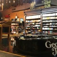 Photo prise au Georgetown Tobacco par Özgür K. le5/6/2018