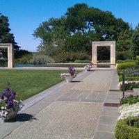 Foto diambil di Dallas Arboretum and Botanical Garden oleh Roswell D. pada 5/4/2013