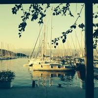 Foto tomada en Mod Yacht Lounge por Özge el 10/14/2013