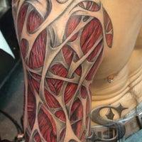 Foto tirada no(a) Ultimate Arts Tattoo por Ultimate Arts Tattoo em 4/24/2013