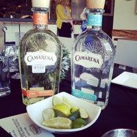 รูปภาพถ่ายที่ TNT - Tacos and Tequila โดย Melody F. เมื่อ 3/14/2013