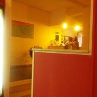 Foto diambil di Storyville Hotel Cinquale oleh Sonia N. pada 7/5/2013