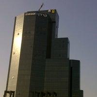 รูปภาพถ่ายที่ Kardan Building โดย Dror T. เมื่อ 12/31/2012