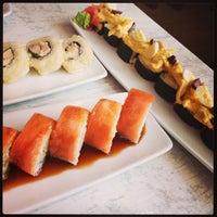 Снимок сделан в Senz Nikkei Restaurant пользователем Raymundo U. 12/29/2012