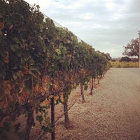 Photo prise au Firestone Vineyard & Winery par Johanna S. le11/2/2012