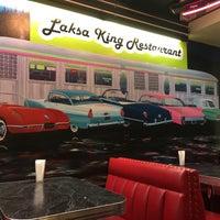 Foto diambil di Laksa King Restaurant oleh Yuliya S. pada 3/18/2018