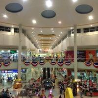Foto scattata a SM Supercenter Muntinlupa da Robert D. il 6/8/2013