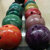 รูปภาพถ่ายที่ Rolling Ball Bowling โดย Lefide Berna Ş. เมื่อ 4/27/2013