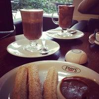 4c3e89d84ff ... Foto tirada no(a) Fran amp  39 s Café por Ale em ...