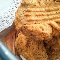 Photo prise au Ivy Bakery par Dani L. le11/6/2012
