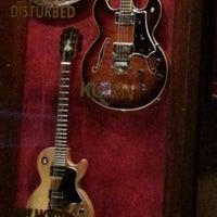 6/14/2013 tarihinde Francisco Z.ziyaretçi tarafından Hard Rock Cafe Florence'de çekilen fotoğraf