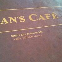 3/23/2013에 Eduardo A.님이 Fran's Café에서 찍은 사진