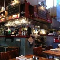 Foto tomada en Venus Restaurant por Shreyaa K. el 8/6/2013