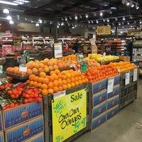 Das Foto wurde bei Whole Foods Market von Alex V. am 4/1/2017 aufgenommen