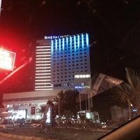 Das Foto wurde bei Nevali Hotel von Fatih am 10/28/2013 aufgenommen