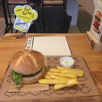 2/19/2015에 Berkay A.님이 Şef's Burger에서 찍은 사진