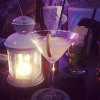 รูปภาพถ่ายที่ Mojito Lounge & Club โดย Nazlı S. เมื่อ 8/24/2013