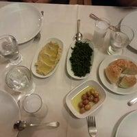 5/4/2013 tarihinde Erdem K.ziyaretçi tarafından İstasyon Restaurant'de çekilen fotoğraf