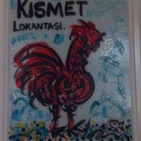 Das Foto wurde bei Kısmet Lokantası von Hande am 6/13/2013 aufgenommen
