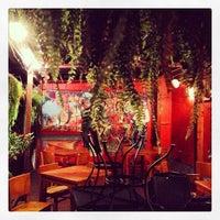 Photo prise au Eclectic Bistro & Bar par Chris P. le11/18/2013