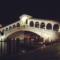 3/21/2013にGiovanni I.がPonte di Rialtoで撮った写真