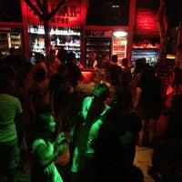 Foto scattata a Bull Bar da Esra C. il 8/4/2013