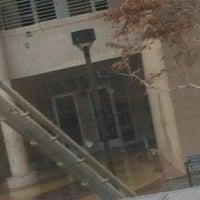 รูปภาพถ่ายที่ Dane Smith Hall โดย BrianIslands เมื่อ 12/14/2012