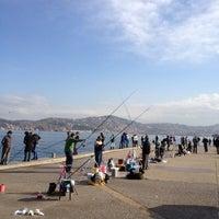 Das Foto wurde bei Yeniköy Sahili von derya am 12/2/2012 aufgenommen