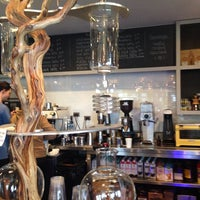 8/11/2018 tarihinde Leslie-Anne B.ziyaretçi tarafından Left Hand Coffee'de çekilen fotoğraf