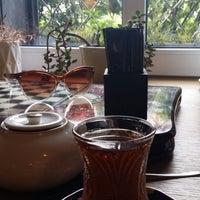 Foto diambil di APSHERON Restaurant oleh Diana T. pada 8/18/2014
