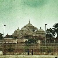 Foto tomada en Swaminarayan Akshardham por Srinivas J. el 8/11/2013