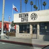 รูปภาพถ่ายที่ Dogtown Coffee โดย Perlorian B. เมื่อ 2/23/2013