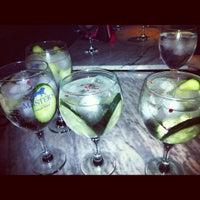 Foto tomada en Ultramarinos Hendrick's Bar por Joao G. el 12/6/2012