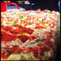 6/11/2014에 Mauricio R.님이 Pizza Rustica에서 찍은 사진