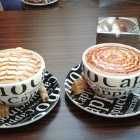 Снимок сделан в Best Coffee House пользователем Melek Ö. 8/22/2013
