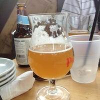 รูปภาพถ่ายที่ Cornerstone - Artisanal Pizza & Craft Beer โดย Ryan N. เมื่อ 7/13/2013