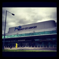 Foto tirada no(a) George Best Belfast City Airport (BHD) por Michael A. em 9/14/2012