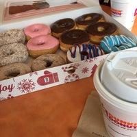 Foto tirada no(a) Dunkin Donuts por Bilge A. em 1/4/2017