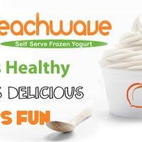 Foto tomada en Peachwave Frozen Yogurt por Peachwave Frozen Yogurt el 11/14/2014