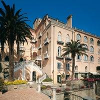 7/22/2014 tarihinde Hotel Palazzo Avinoziyaretçi tarafından Hotel Palazzo Avino'de çekilen fotoğraf