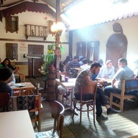 Foto scattata a cafe 46 da Bugra Ö. il 5/2/2014