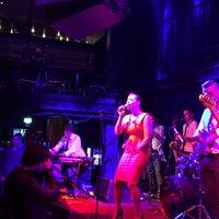 Photo prise au Jazz Cafe par Cees v. le8/30/2015